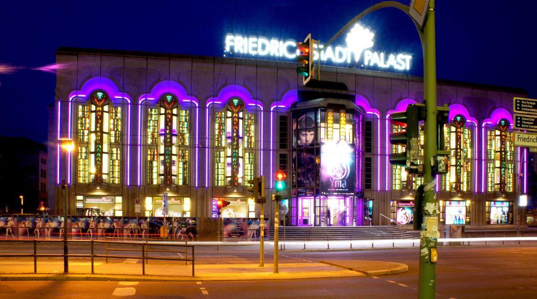 Friedrichstadtpalast_at_night_01